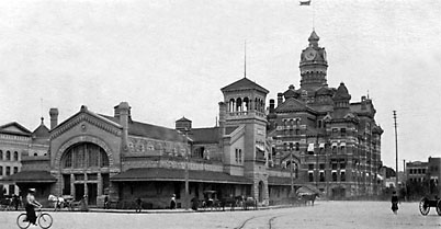 Rear View of Market and City Hall 1903 02-297