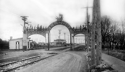 The Welcome Arch St.Vital 1915 03-023